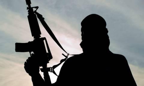 Νέα φρικαλεότητα από Τζιχαντιστές: «Μαχητής» του ISIS εκτελεί δημόσια τη μητέρα του