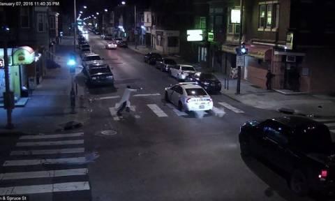 ΗΠΑ: Το βίντεο-ντοκουμέντο από την επίθεση ενόπλου σε αστυνομικό