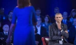 Θύμα βιασμού κατηγορεί τον Ομπάμα για το θέμα της οπλοκατοχής