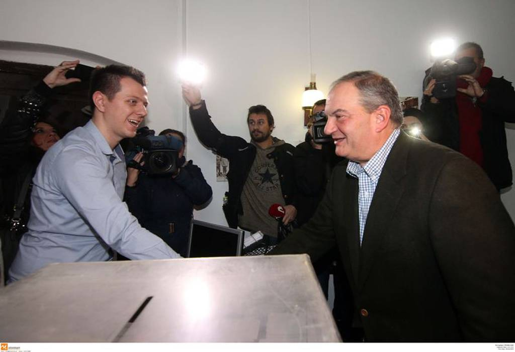 Εκλογες ΝΔ 2ος γύρος: Στη Θεσσαλονίκη ψήφισε ο Κώστας Καραμανλής (photo)
