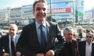 Le Monde: Η εκλογή Μητσοτάκη βάζει τέλος στην κυριαρχία της οικογένειας Καραμανλή...