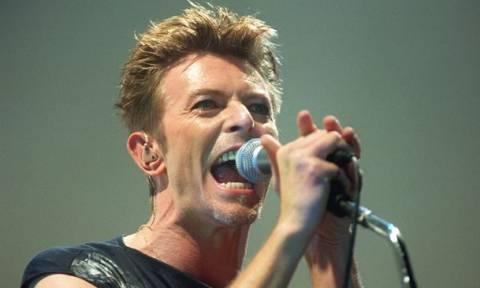 David Bowie: Ο θρύλος με τα χίλια πρόσωπα και την ταραχώδη ζωή