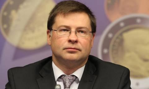 Αναβλητική απάντηση Ντομπρόβσκις σε Παπαδημούλη για το Ευρωπαϊκό Ταμείο Ανεργίας