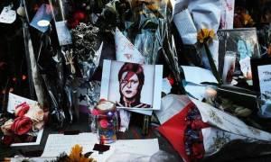 Συγκλονιστικό: Το τελευταίο account που έκανε follow ο David Bowie στο Twitter ήταν ο... Θεός!