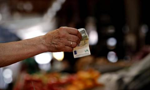 Capital controls: Οι δυνατότητες στις συναλλαγές 8 μήνες μετά την επιβολή τους