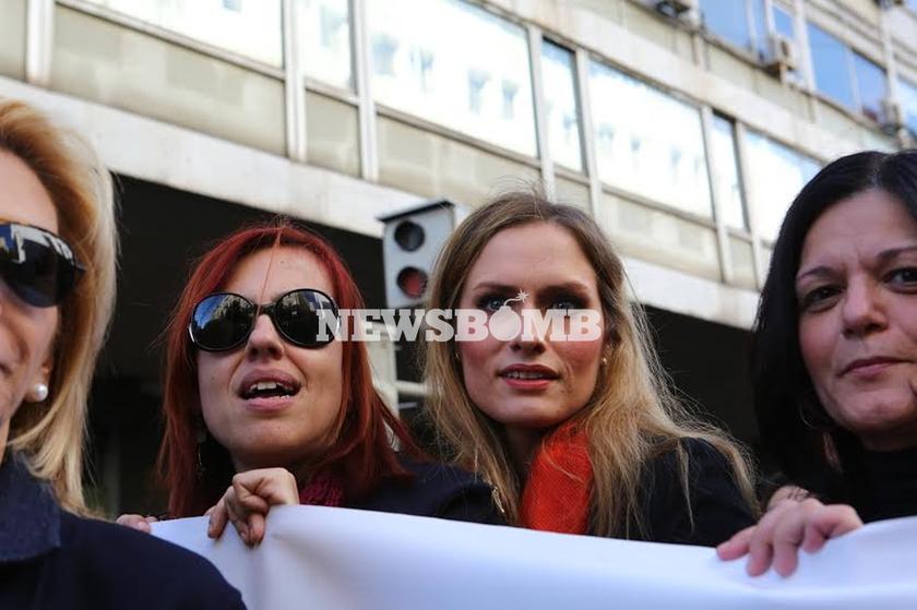 Νέο ασφαλιστικό: Χιλιάδες στην πορεία δικηγόρων, γιατρών, μηχανικών (pics)