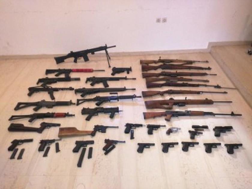 Ηράκλειο: Αυτός είναι ο βαρύς οπλισμός που εντοπίστηκε στην γκαρσονιέρα (pics)