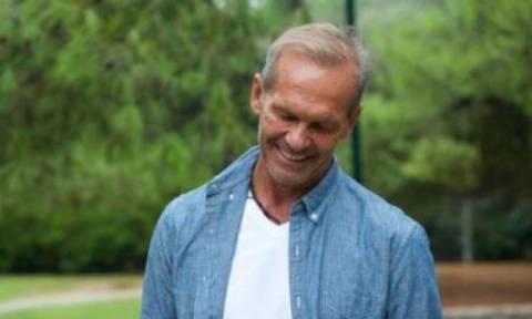 Ο Πέτρος Κωστόπουλος σε βραδινή έξοδο με την σύντροφό του