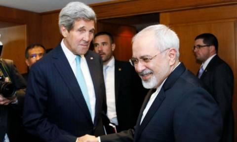 Συνάντηση Κέρι - Ζαρίφ στη Βιέννη προς άρση των κυρώσεων κατά του Ιράν