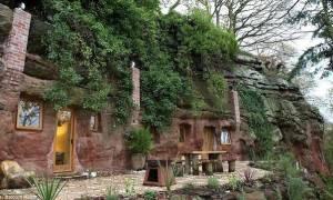 Απίστευτο! Ξόδεψε $285.000 για να μετατρέψει μια σπηλιά σε σπίτι