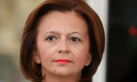 Διαψεύδει η Χρυσοβελώνη ότι η κόρη της εργάζεται στο γραφείο του υπουργού Αμυνας