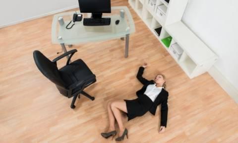 Λιποθυμία: 5 συχνοί παράγοντες που την προκαλούν