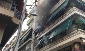 Φωτιά σε διαμέρισμα στο κέντρο του Πειραιά (photos - video)