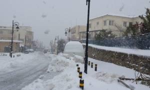 Κακοκαιρία: Χαλαζόπτωση στο κέντρο του Ηρακλείου, χιόνι στα ορεινά