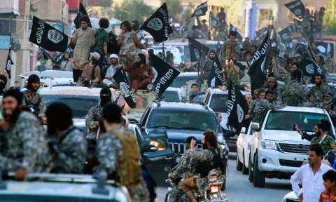 «Ψαλίδι» στους μισθούς των μαχητών του αποφάσισε το Ισλαμικό Κράτος