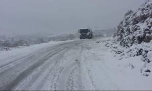 Κακοκαιρία - Λέσβος: Εγκλωβισμένο το Αμπελικό από τα χιόνια