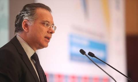 Κουμουτσάκος: Κομματικοί «σύντροφοι» και συγγενείς καταλαμβάνουν το κράτος