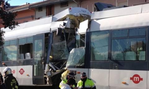 Ιταλία: Πενήντα τραυματίες από σύγκρουση τρένων στη Σαρδηνία (pics)