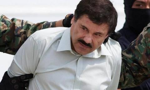 Η πρώτη φωτογραφία του Ελ Τσάπο μέσα από το κελί