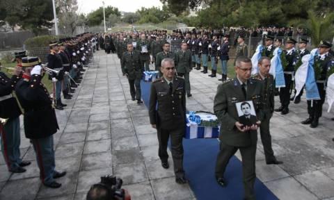 Παραδόθηκαν στην Ελλάδα έξι λείψανα Ελλήνων ηρώων που έπεσαν στην Κύπρο (photo)
