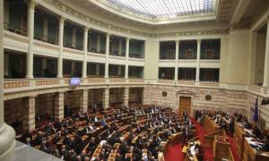 Νομοθετική πρωτοβουλία για την αδειοδότηση των καναλιών χωρίς το ΕΣΡ ετοιμάζει η κυβέρνηση