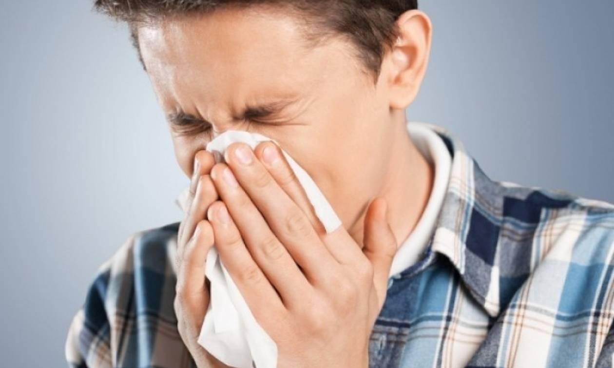 Γρίπη: Γιατί οι γυναίκες είναι πιο ανθεκτικές, γιατί οι άνδρες την περνάνε βαριά