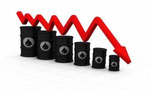 Νέα «βουτιά» στην τιμή του αργού και μικτές τάσεις στη Wall Street