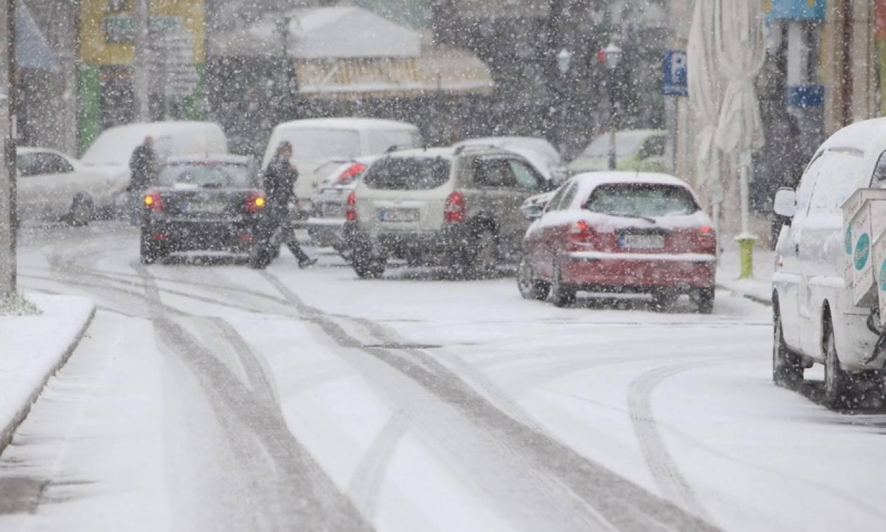 Στην «κατάψυξη» η χώρα - Χιόνια παντού! (pics)