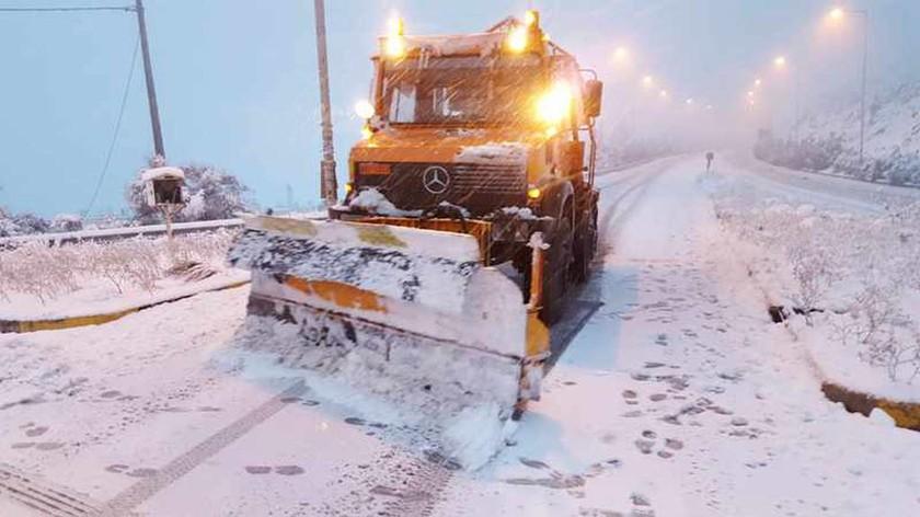 Καιρός: Κλειστά τα σχολεία στη Φθιώτιδα – Δείτε που έχει φτάσει το χιόνι στη Λαμία (pics)