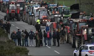 Σε «θέση μάχης» τα τρακτέρ στα Τέμπη - Άρση των κυκλοφοριακών ρυθμίσεων