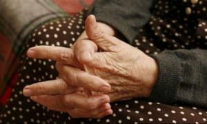 Συγκλονίζει η μάνα του αδικοχαμένου Βαγγέλη: «Γιε μου, που είσαι απόψε;» (video)