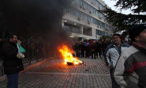 Οι αγρότες απειλούν την κυβέρνηση - Μπλόκα από τον Έβρο μέχρι την Κρήτη