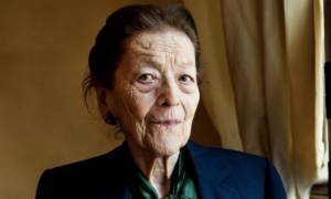 Γαλλία: Πέθανε η ανυπότακτη δημοσιογράφος και λογοτέχνις Εντμόντ Σαρλ-Ρου (Vid)
