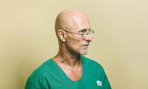 Σκληρή εικόνα - Η πρώτη μεταμόσχευση κεφαλιού σε ζωντανή μαϊμού