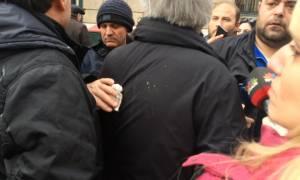 Ασφαλιστικό: Κέρασαν... καφέδες τον Παναγόπουλο της ΓΣΕΕ στην πορεία