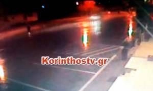 Σοκαριστικό βίντεο - Κόρινθος: Παρασύρει γυναίκα και την αφήνει αβοήθητη (προσοχή σκληρές εικόνες)