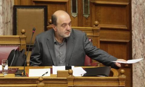 Αλεξιάδης: Ας προσέξει το κίνημα της γραβάτας αυτούς που του χτυπούν την πλάτη