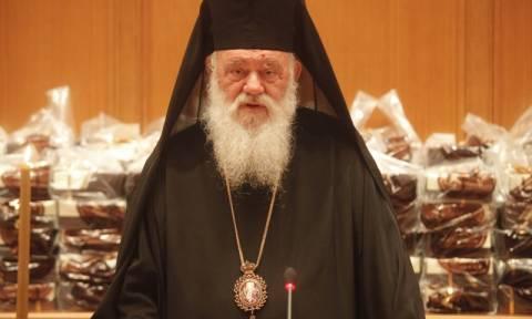 Αντιδρά ο Αρχιεπίσκοπος για την καύση απαντώντας στις επιθέσεις κατά της εκκλησίας