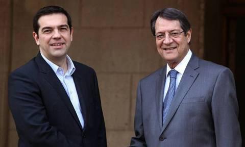 Νταβός: Το Κυπριακό στη συνάντηση Τσίπρα - Αναστασιάδη