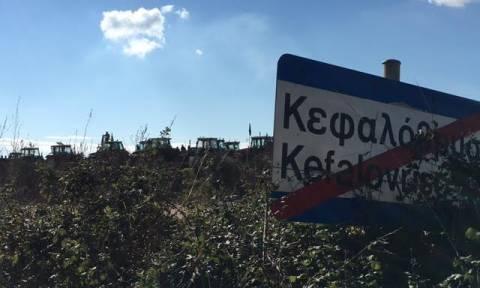 Οι αγρότες απέκλεισαν την εθνική οδό Αντιρρίου - Ιωαννίνων (pics)