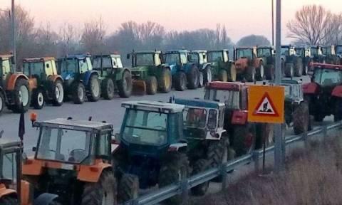 Μπλόκα αγροτών: Καθημερινά και επ' αόριστον ο ολιγόωρος αποκλεισμός του τελωνείου των Κήπων