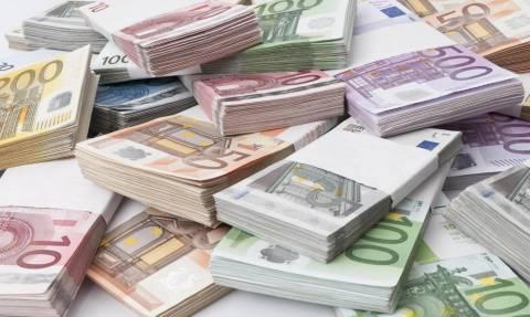 Απίστευτο: Κληρονόμησε 600.000 ευρώ και δείτε τι τα έκανε!