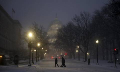 «Snowzilla»: «Συναγερμός» στις ΗΠΑ για την επερχόμενη χιονοθύελλα (pics+vid)