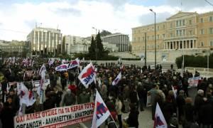Μαζική η συμμετοχή στο συλλαλητήριο του ΠΑΜΕ ενάντια στο ασφαλιστικό