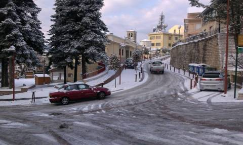 Κακοκαιρία: Πυκνή χιονόπτωση στην Αττική - Πολικές θερμοκρασίες σε όλη τη χώρα