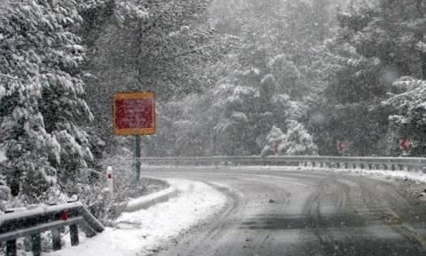 Κακοκαιρία: Προβλήματα στους δρόμους της Αττικής από τον παγετό