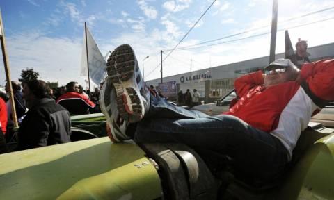 Έκλεισαν τα διόδια Ισθμού οι αγρότες - Από παρακαμπτήριες οδούς η κίνηση των οχημάτων