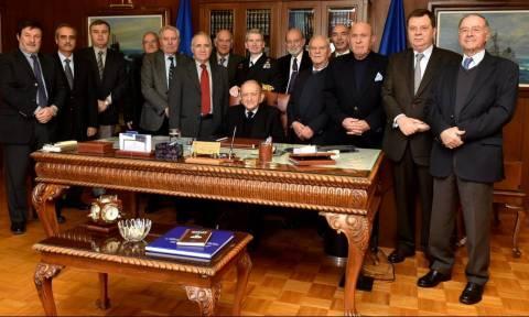 Επίσκεψη πρώην Αρχηγών Στόλου στη Σαλαμίνα (pics)