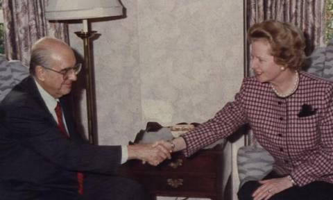 'Οταν ο Ανδρέας Παπανδρέου «στόλισε» τη Θάτσερ σε Σύνοδο Κορυφής