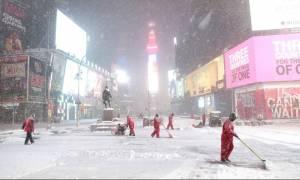 Σφοδρή χιονοθύελλα στη Νέα Υόρκη! (pics )
